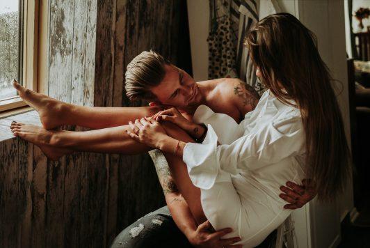 LightVeils-modern-documentary-wedding-family-newborn-photography