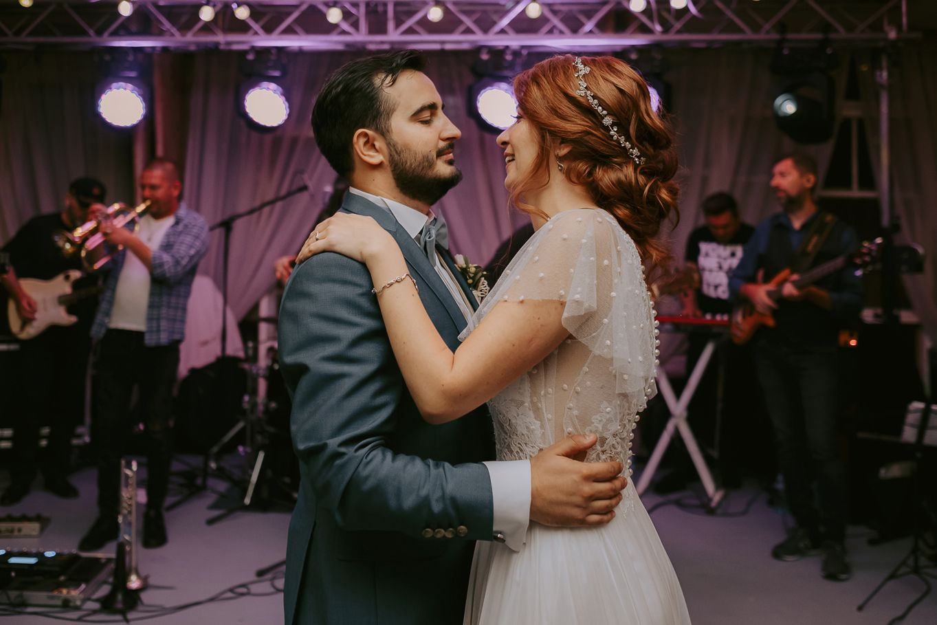 lightveils-wedding-photographer-bucharest-romania-greenspot-barn